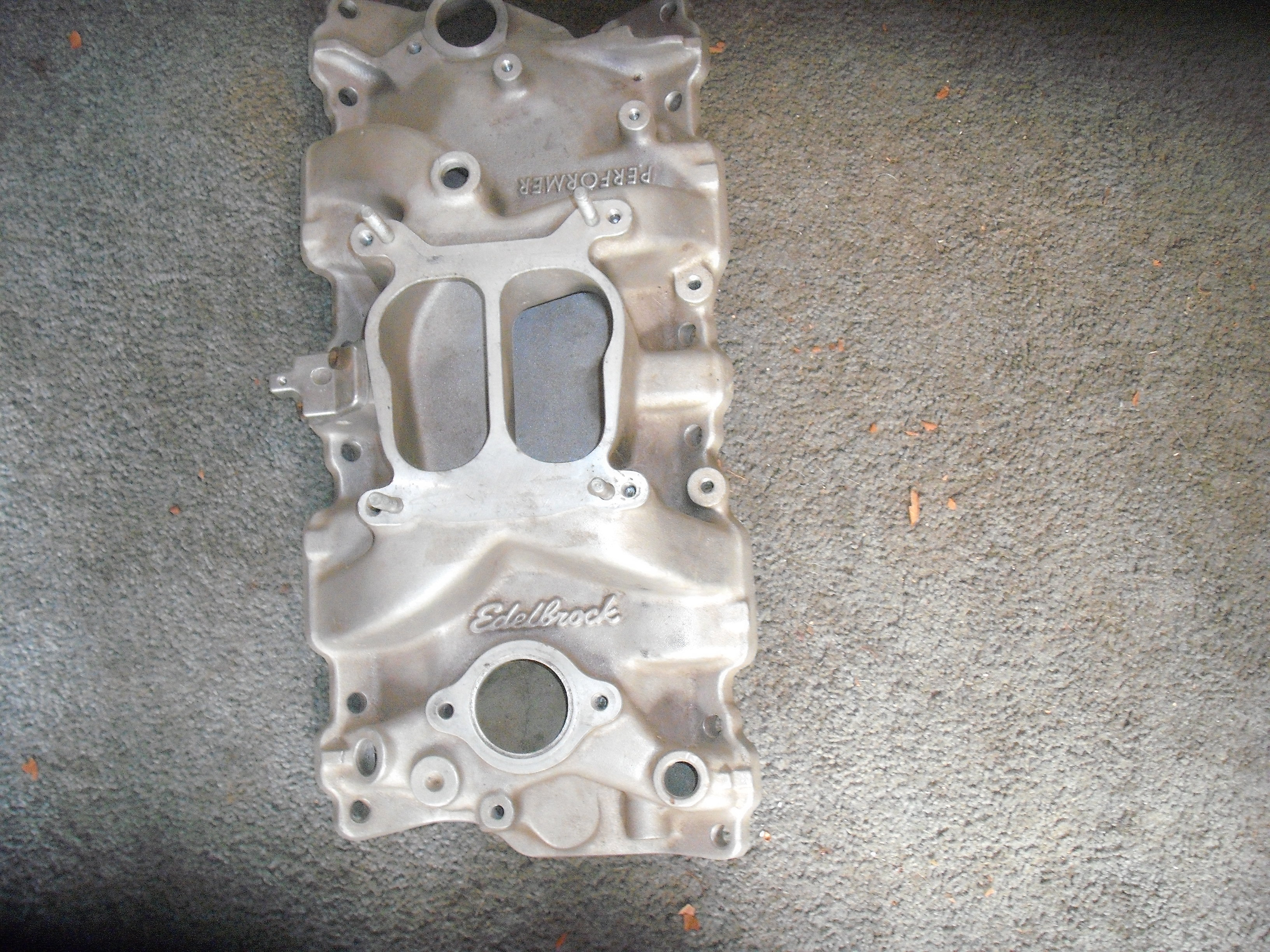 Chevy Small Block Manifold (alum) Performer Edelbrock